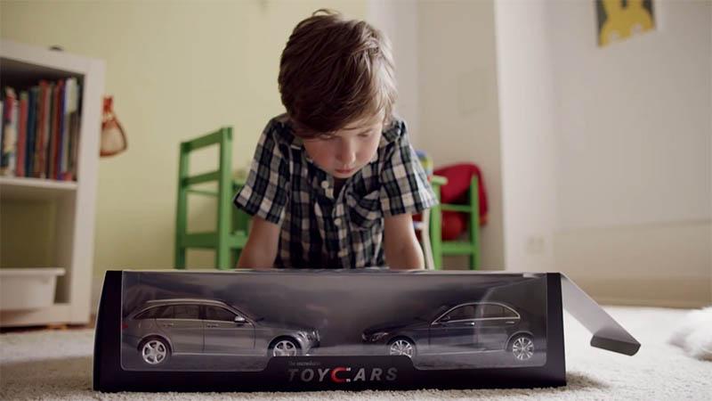 Mercedes-Benz enlouquece crianças com carrinhos impossíveis de bater