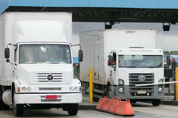 Regulamentada fiscalização para quem foge do pagamento do pedágio em rodovias