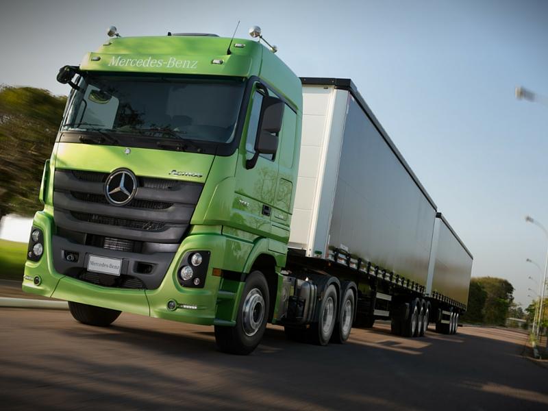Mercedes pode elevar novamente preços de caminhões no início de 2016