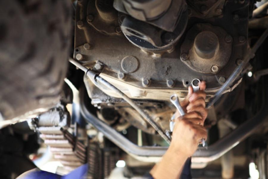 Revisão automotiva garante maior segurança antes das viagens de verão