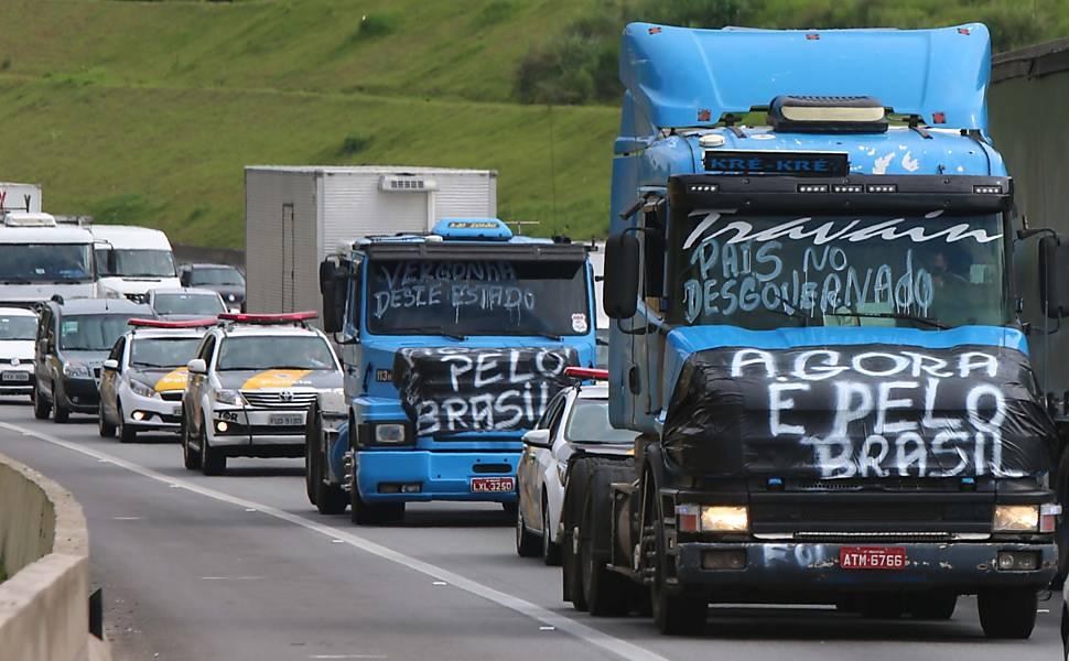 Greve de motoristas ameaça exportação de carnes