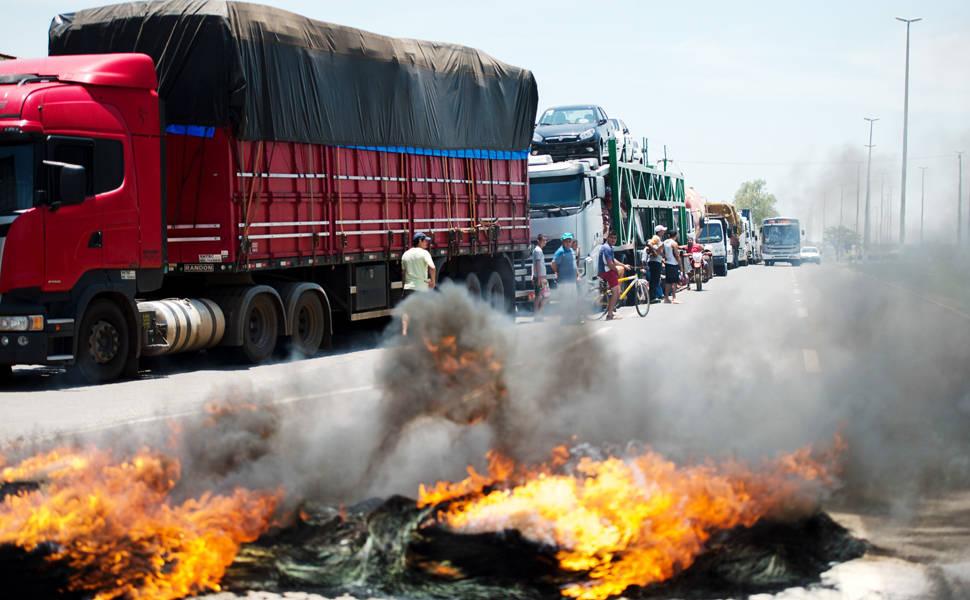 Sindicalista garante que greve não atende a interesses de caminhoneiros