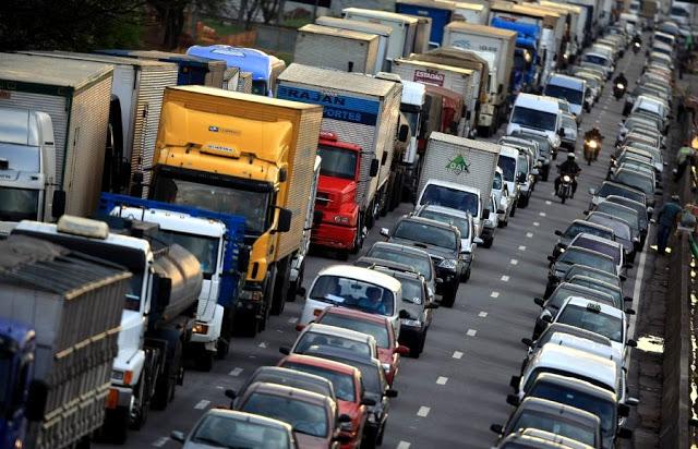 Caminhoneiros da região não aderem à paralisação nas estradas de SP