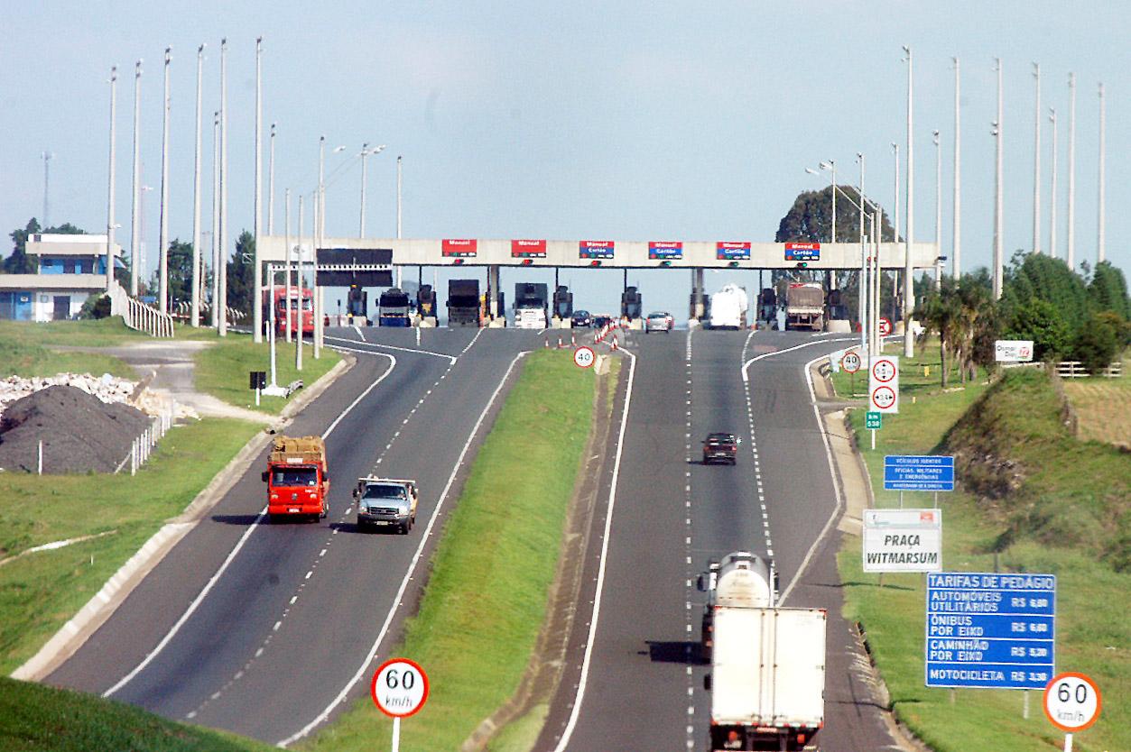 Pedágio ficará 10% mais caro a partir de terça-feira no Paraná