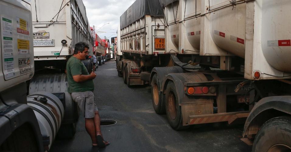 Paralisação de caminhoneiros preocupa setor portuário