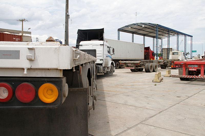 Porto de Paranaguá ganha nova alça de acesso e pátio para caminhões bitrem