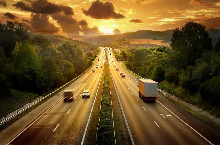 8 dicas para o caminhoneiro curtir o verão sem problemas