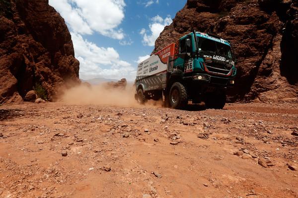 Vitória na etapa de ontem  leva Iveco ao topo do Dakar