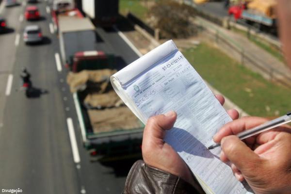 Dnit notifica 3,6 milhões de motoristas em razão de infrações de trânsito