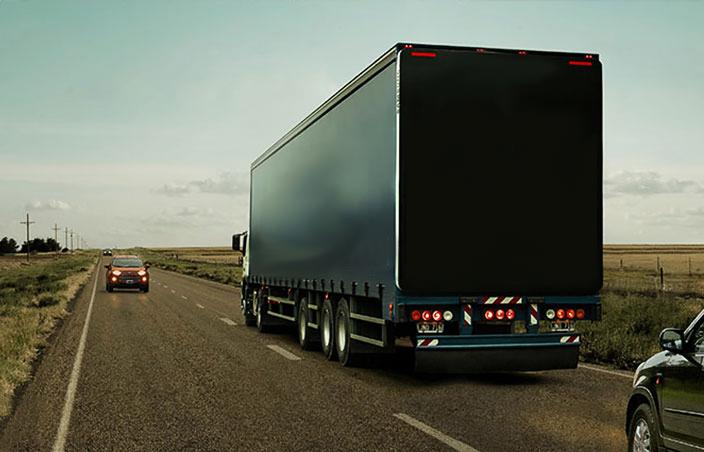 Um caminhão à sua frente