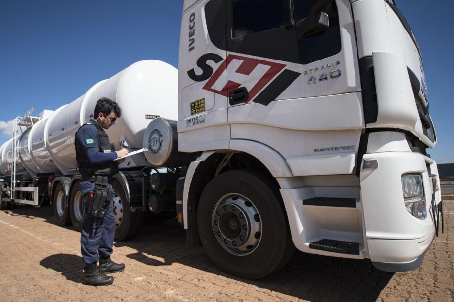 ANTT divulga cronograma para colocação de dispositivo de identificação eletrônica em caminhões