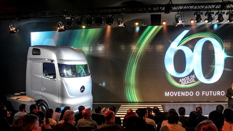Mercedes-Benz do Brasil celebra 60 anos com evento em São Paulo