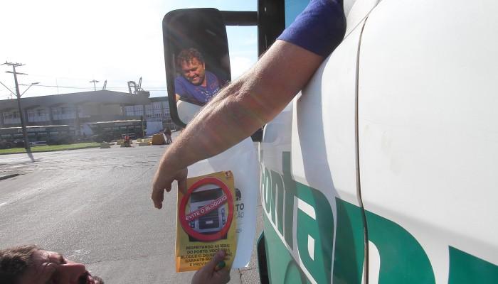Appa orienta caminhoneiros para correta limpeza das carrocerias