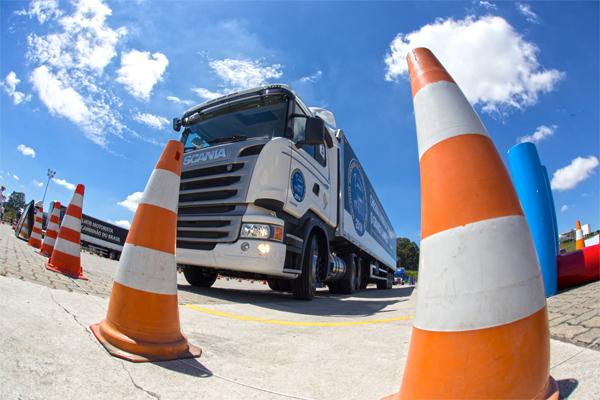Melhor motorista de caminhão da América Latina ganhará um Scania 0 km