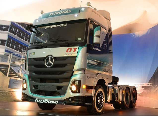 Mercedes-Benz demonstra soluções rentáveis de transporte  para os visitantes da TranspoSul