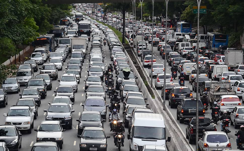 OBSERVATÓRIO orienta sobre como evitar colisões no trânsito