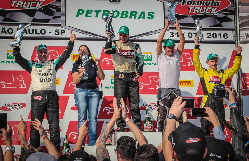 Paulo Salustiano vence mais uma e acirra disputa pela liderança do campeonato