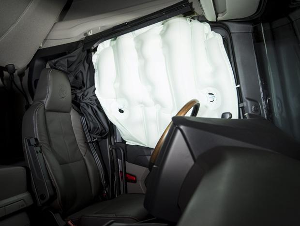 Scania revela item da nova geração de caminhões