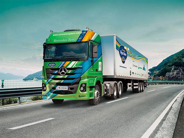 Caminhões Mercedes-Benz retornam às estradas para rodar 30.000 quilômetros em caravana pelo País