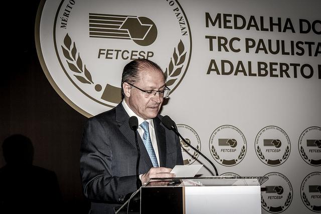Governador Alckmin regulamenta lei que pune empresa que comercialize produto roubado