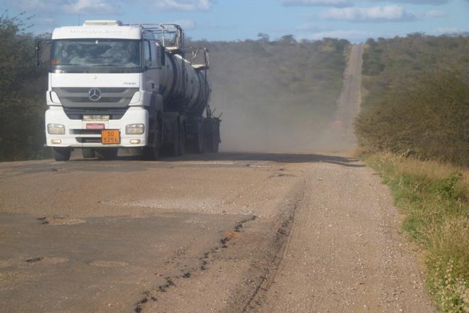 Impostos consomem 20% da receita bruta do transporte de cargas