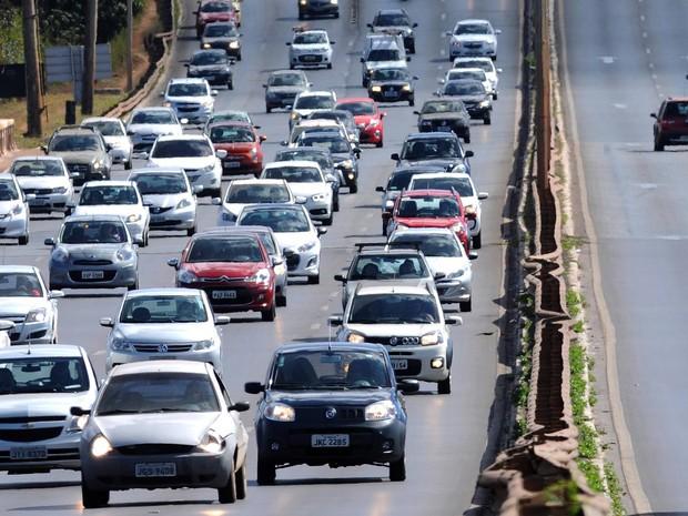Fluxo de veículos nas estradas cresce 2,2% em setembro ante agosto, diz ABCR