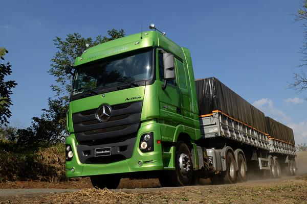 Mercedes-Benz é a marca de caminhões mais lembrada no Brasil