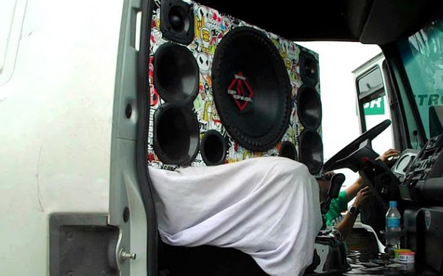 Contran regulamenta autuação para som alto nos veículos