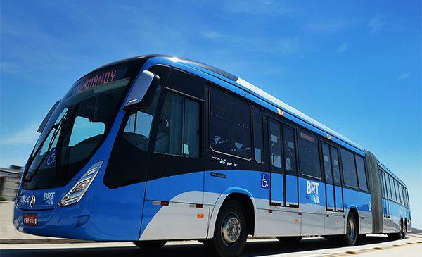 Mercedes-Benz do Brasil lança na FetransRio  o maior ônibus superarticulado para BRT do mundo