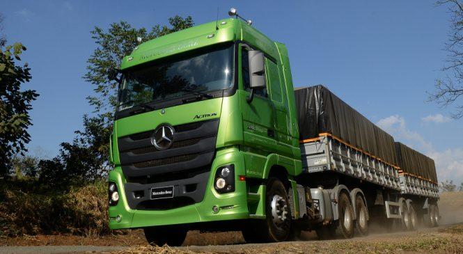 Mercedes-Benz Actros é eleito o melhor caminhão extrapesado de 2016