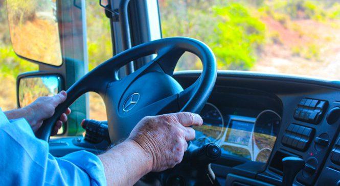 Mercedes-Benz realiza test-drive para  motoristas com os brutos Actros e Atego