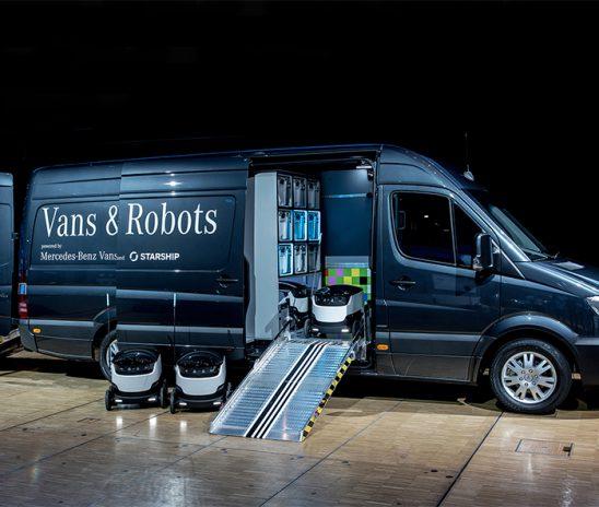 Furgão Sprinter e robôs autônomos aumentam a eficiência da logística de distribuição de produtos