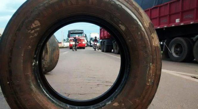 Caminhoneiros fazem protestos em rodovias de MT pelo 4º dia consecutivo