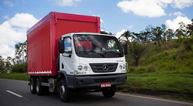 Accelo se destaca como o caminhão mais vendido pela Mercedes-Benz no mercado externo