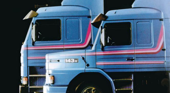 Scania lança R 440 em homenagem ao caminhão T 113