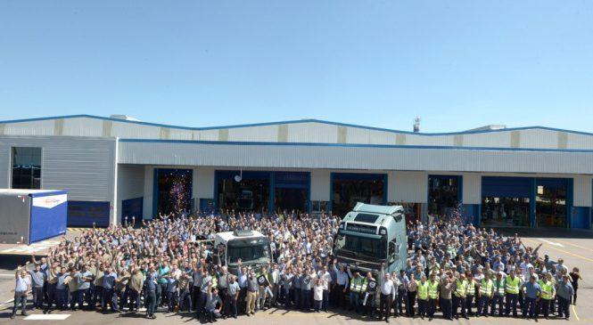 FH e VM são entregues em promoção da Volvo