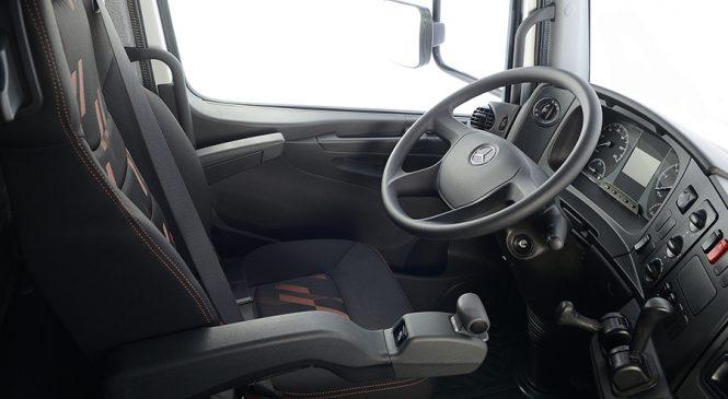 Mercedes-Benz renova cockpit da linha de caminhões