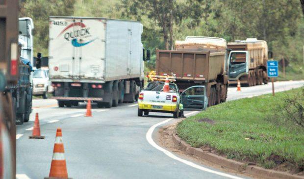 Minas Gerais já deveria ter mais 500 km de estradas duplicadas