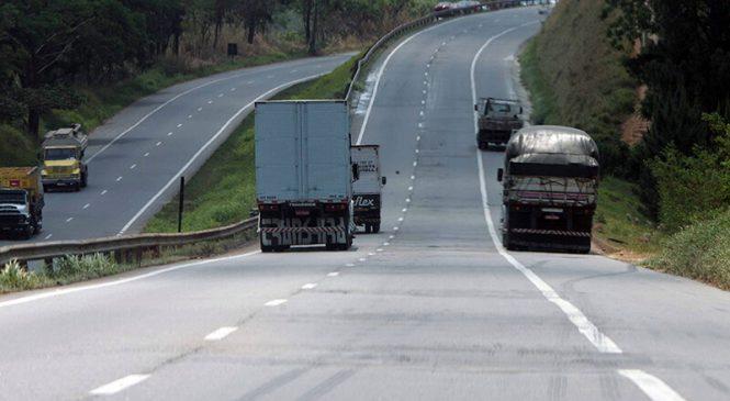 Comissão aprova regra sobre acostamento em rodovias federais