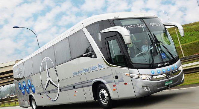 """Mercedes-Benz é cinco vezes a """"Marca do Ano""""  em ônibus e caminhões no Prêmio Lótus"""