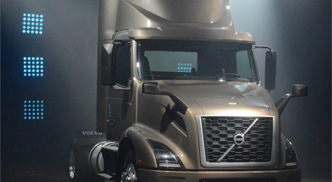 Volvo desvenda VNR Regional Tractor