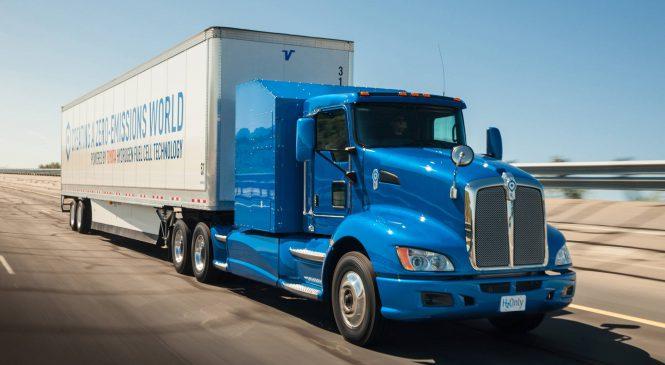 Caminhão movido a hidrogênio da Toyota inicia testes nos EUA