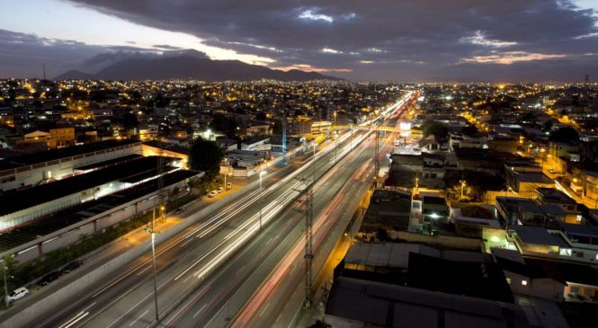 A rotina na Via Dutra, a mais perigosa rodovia do Rio