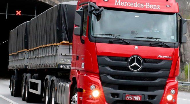 Inovação em veículos comerciais garante prêmio à Mercedes-Benz