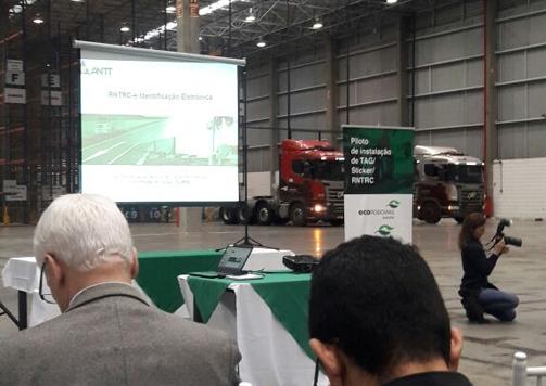 Projeto piloto de identificação eletrônica dos caminhões é lançado em Cubatão