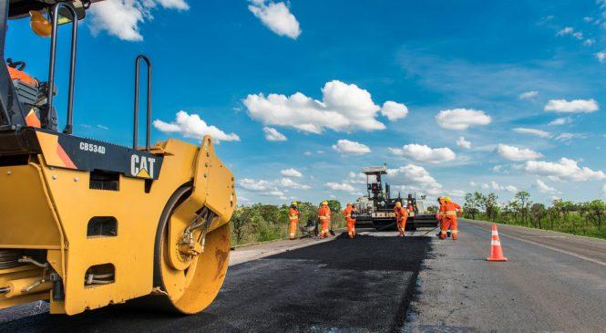 Via 040 promove melhoria do pavimento no trecho mineiro da BR-040