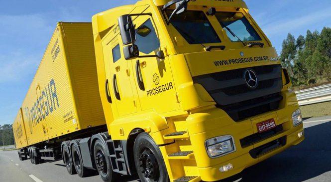 Mercedes-Benz começa a vender caminhão extrapesado blindado