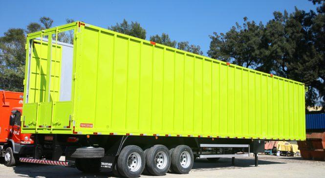 Truckvan produz semirreboque com piso móvel para transporte de biomassa