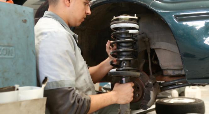 Veículos pesados: amortecedores em dia garantem mais segurança na estrada