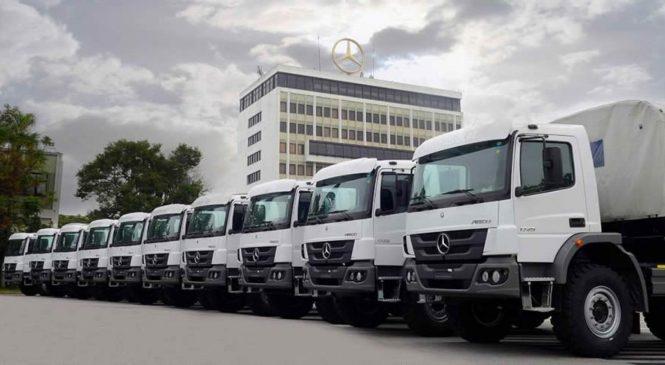 Mercedes-Benz exporta 40 caminhões para Serra Leoa e Emirados Árabes.